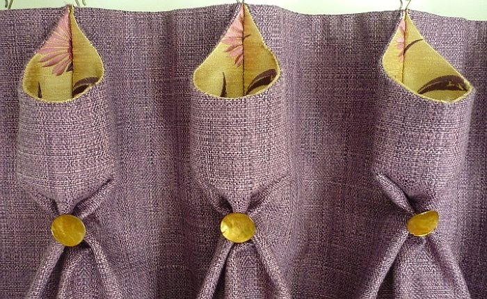 detail goblet pleats